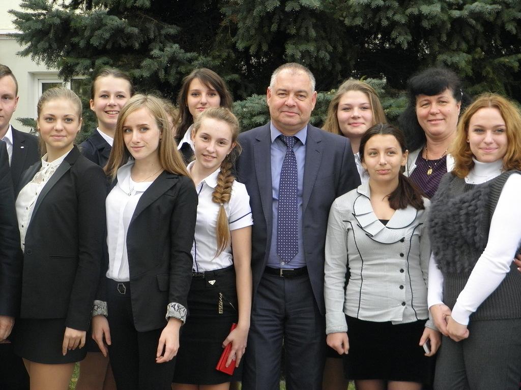 И.о. главы администрации Керчи Сергей Писарев встретился с лидерами школ города