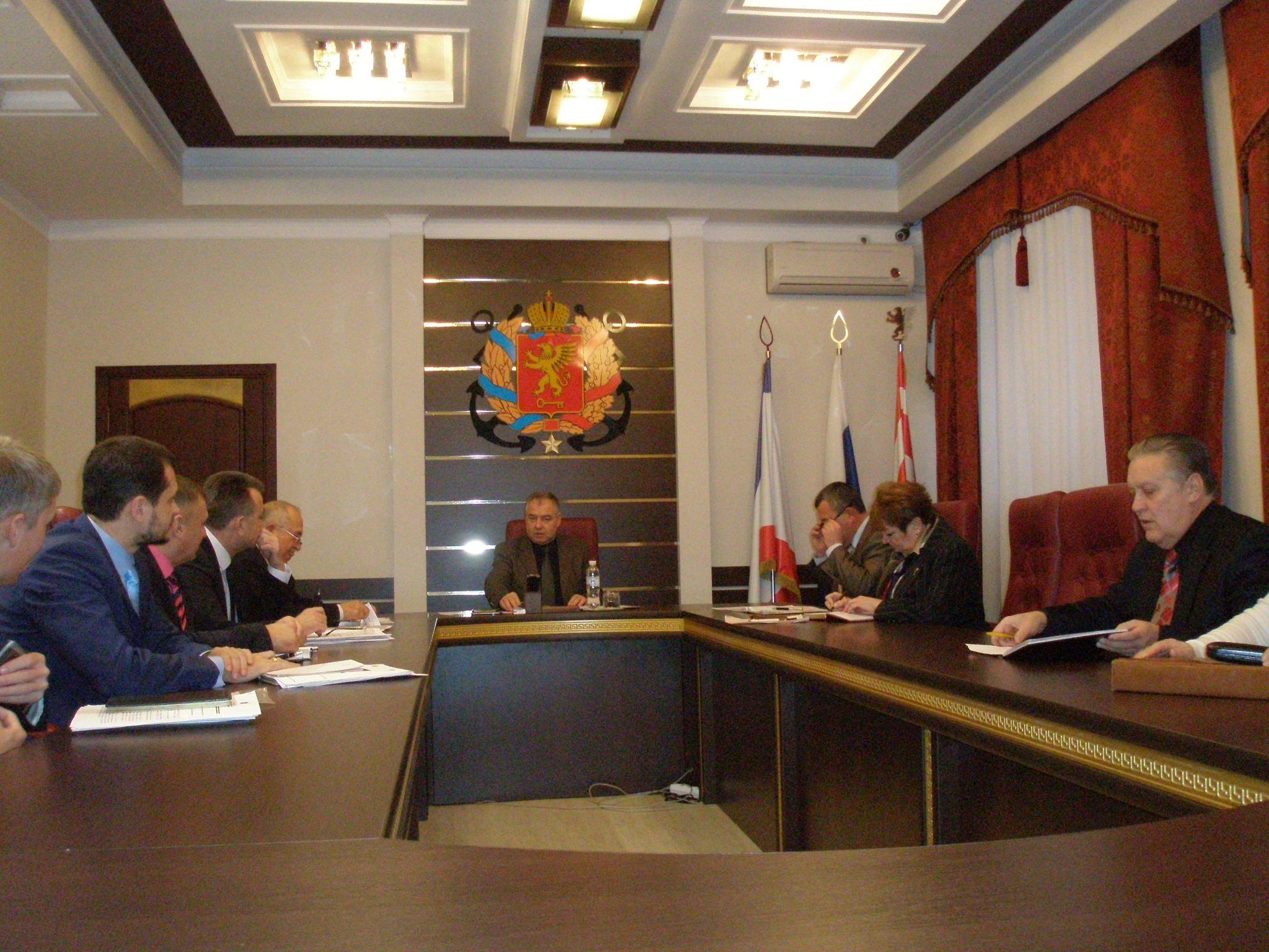 С.Н.Писарев призвал работать оперативно, грамотно и в рамках закона