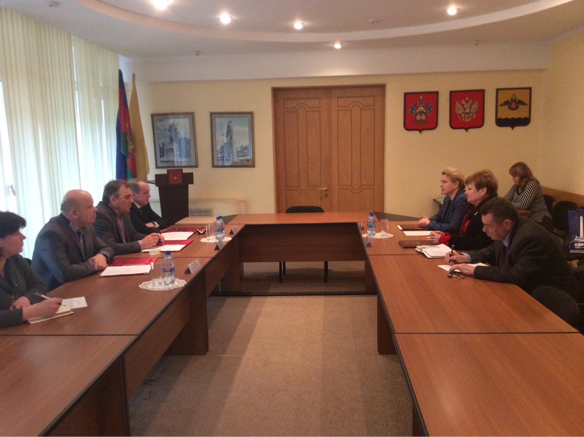 Делегация во главе с Председателем горсовета Ларисой Щербулой посетила Новороссийск