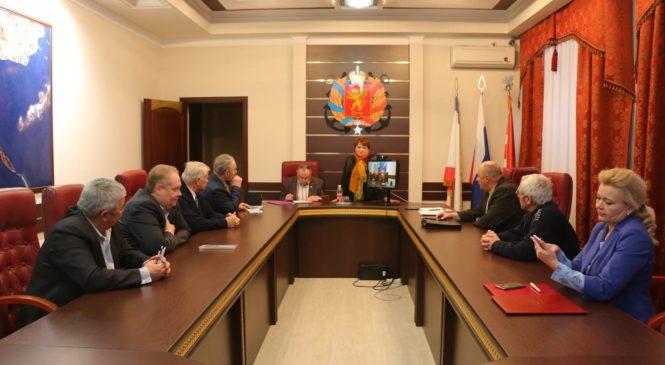 В заседании Общественного совета Керчи принял участие депутат Госсовета Ефим Фикс