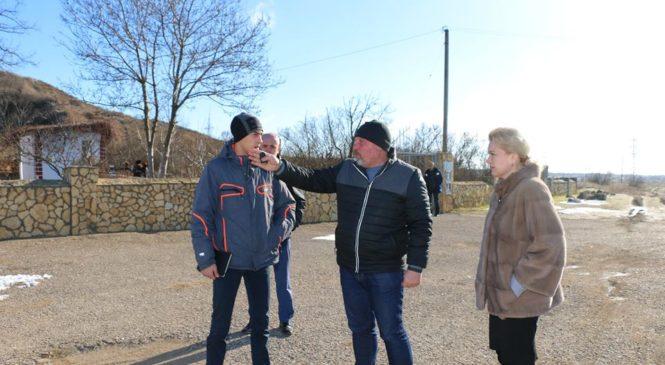 Представители горсовета осмотрели проблемные моменты Аджимушкая