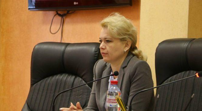 На аппаратном совещании в администрации Лариса Щербула озвучила обращения граждан