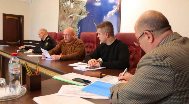 Депкомиссия по вопросам информполитики и межнациональным отношениям провела расширенное заседание