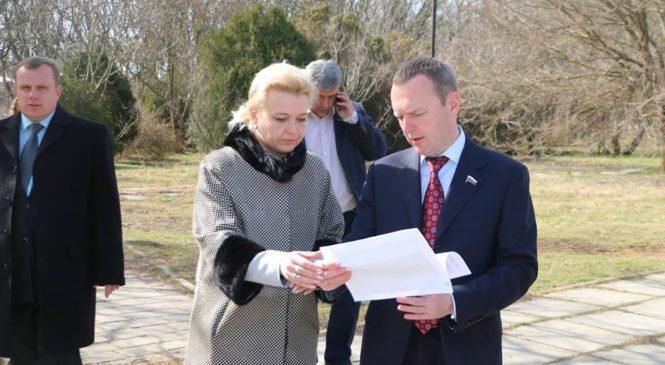 Депутат Госдумы Константин Бахарев с рабочим визитом посетил Керчь