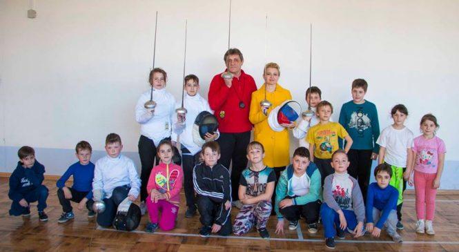 Лариса Щербула посетила Керченский клуб фехтования