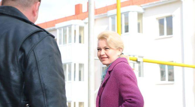 Глава города совершила выезд на строительную площадку домов для переселенцев (ВИДЕО)