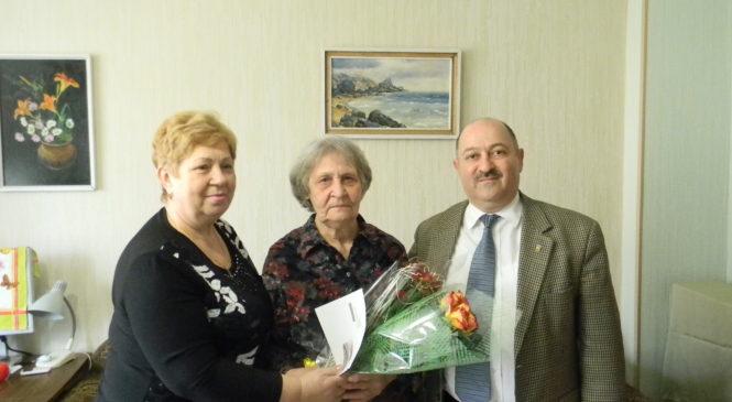 Валерий Арустамян поздравил ветерана Дронову Аделаиду Николаевну с юбилеем