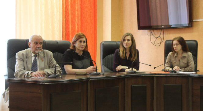 27 марта состоялось заседание на тему: «Профилактика суицидальных настроений среди несовершеннолетних в Керчи»