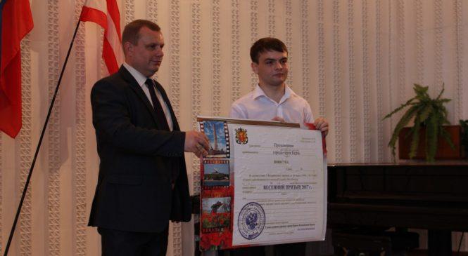 Николай Гусаков напутствовал призывников