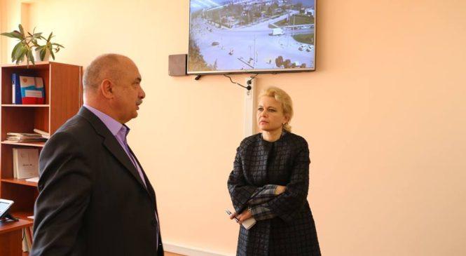 Глава города посетила центр Единой дежурно-диспетчерской службы Керчи