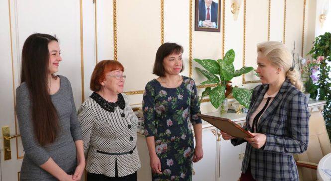 Лариса Щербула провела встречу с юной керчанкой, обладательницей уникального голоса