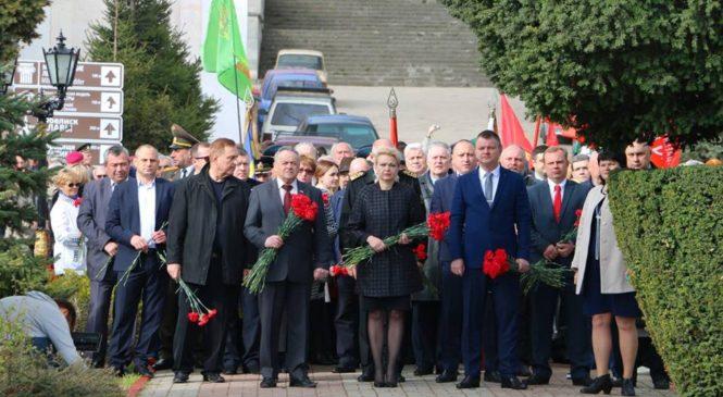 Керчь празднует День Освобождения от немецко-фашистских захватчиков
