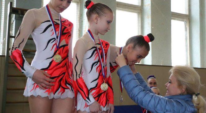 В Керчи прошел Республиканский турнир по спортивной акробатике