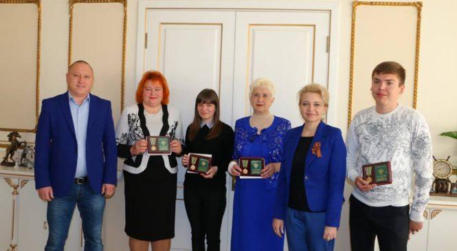 Председатель горсовета наградила медалью «За труды в проведении Всероссийской сельскохозяйственной переписи»