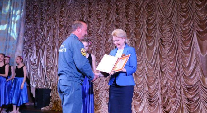 Глава города поздравила  спасателей с 368-летием образования пожарной службы