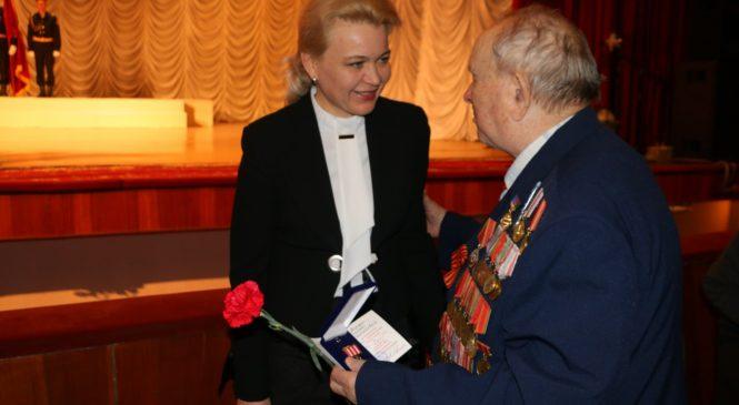 Лариса Щербула поздравила ветеранов и керчан с приближающимся Днем освобождения