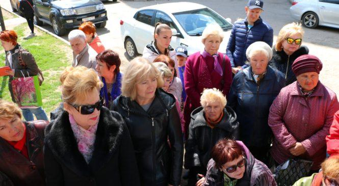 Во дворе по ул. 1 Пятилетки власти провели встречи с жителями