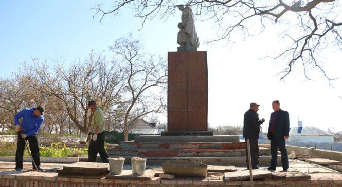 В Керчи активно ведется работа по восстановлению памятников ВОВ