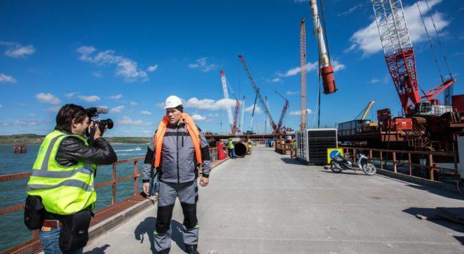 Телеканал RT и ВГТРК снимают документальные фильмы про Керченский мост