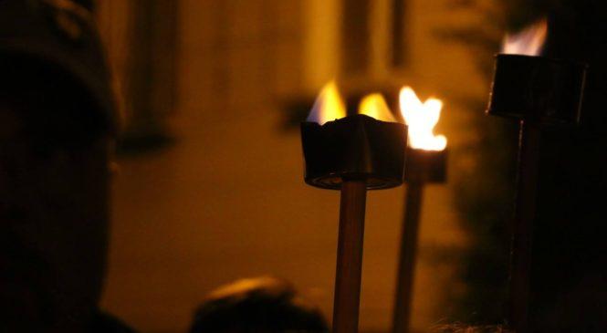 Факельное шествие в Керчи (ВИДЕО)