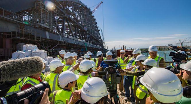 Иностранные журналисты посетили стройплощадку Крымского моста