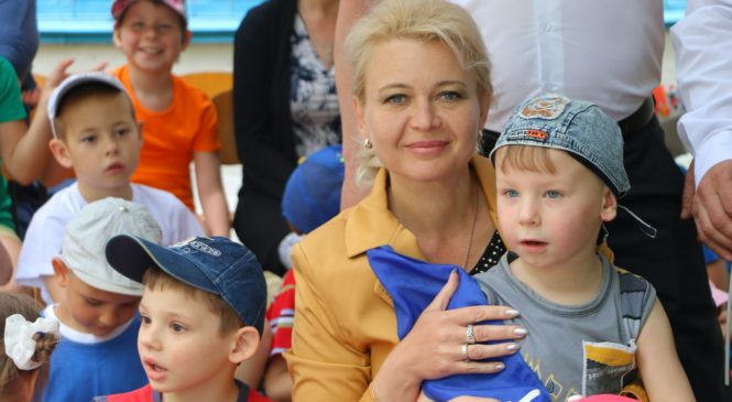 Лариса Щербула навестила воспитанников интерната