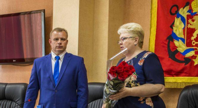 На сессии горсовета избрали нового главу города — Николая Гусакова