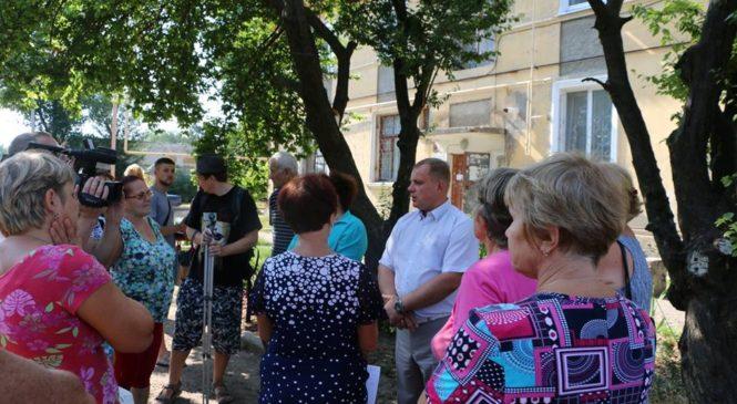 Глава муниципального образования встретился с жителями дома №8 по улице 12 апреля