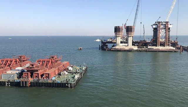В Керченском проливе протестирована плавучая система для перевозки арок Крымского моста