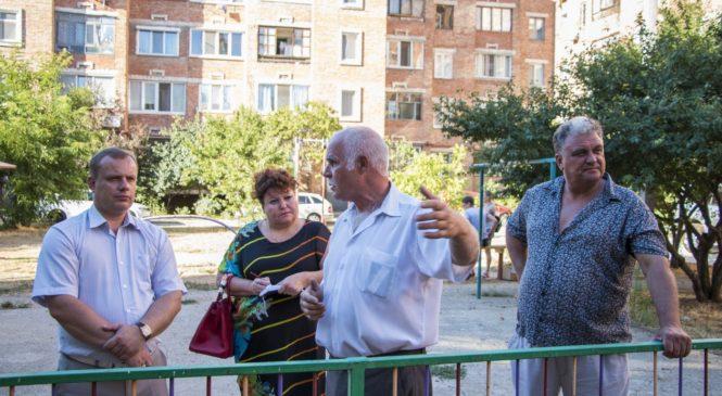 Глава муниципального образования встретился с жильцами дома по ул. К.Маркса, 10