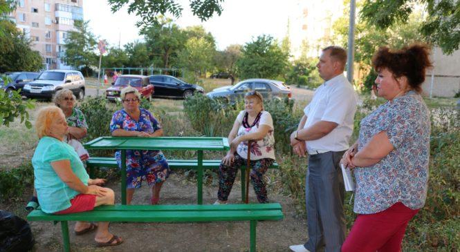Член Общественного совета города Ирина Черненко инициировала встречу с жителями дома №11 по ул. Фурманова