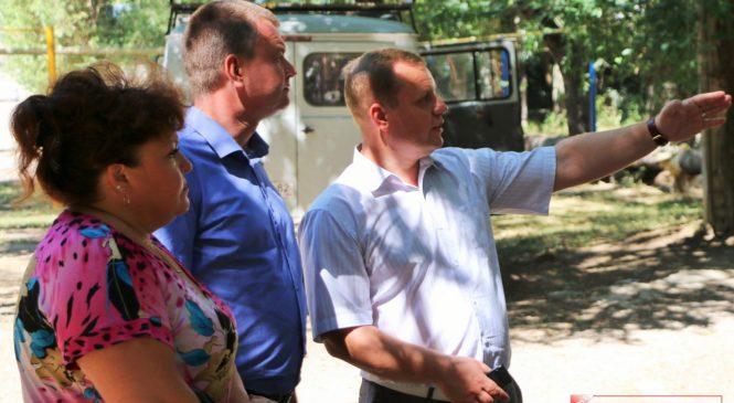 Глава муниципального образования Николай Гусаков оценил ход благоустройства дворов в районе Старого стеклотарного