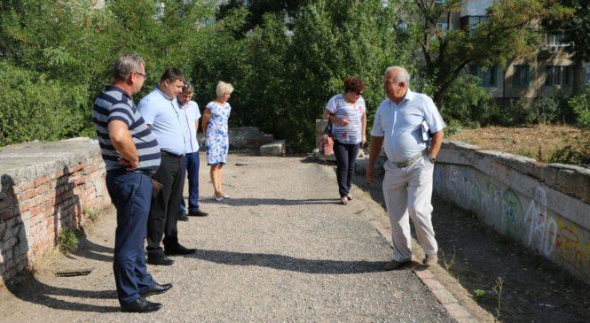 По итогам обращения граждан прошло оперативное совещание рабочей группы и мост решено отремонтировать