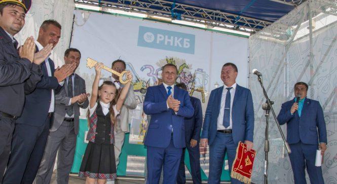 На центральной площади города юные керчане обживают городок «Азбуки профессий»