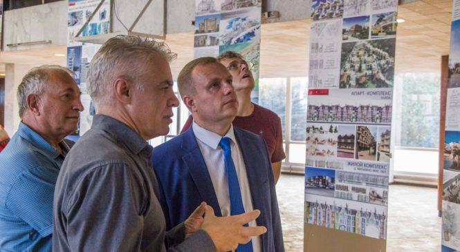 В Керчи презентовали работы творческой мастерской «Лозинский и партнеры»