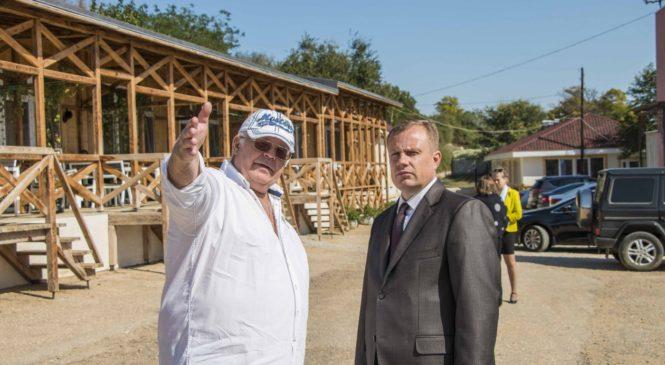 Николай Гусаков поздравил специалистов отрасли со Всемирным днем туризма