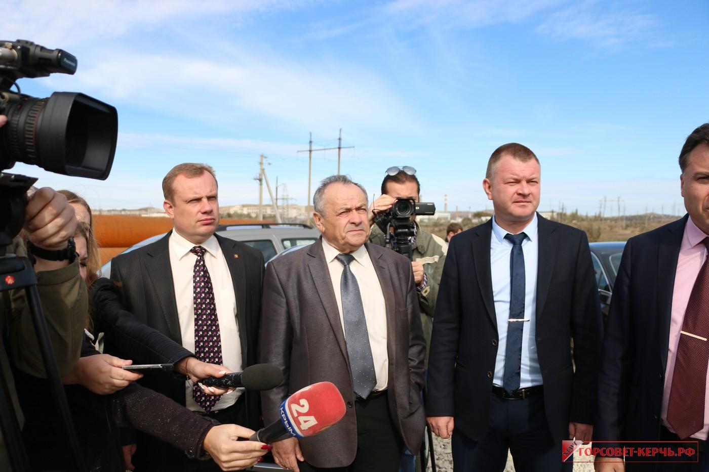 Керчь с рабочим визитом посетил депутат Государственного совета Крыма Ефим Фикс
