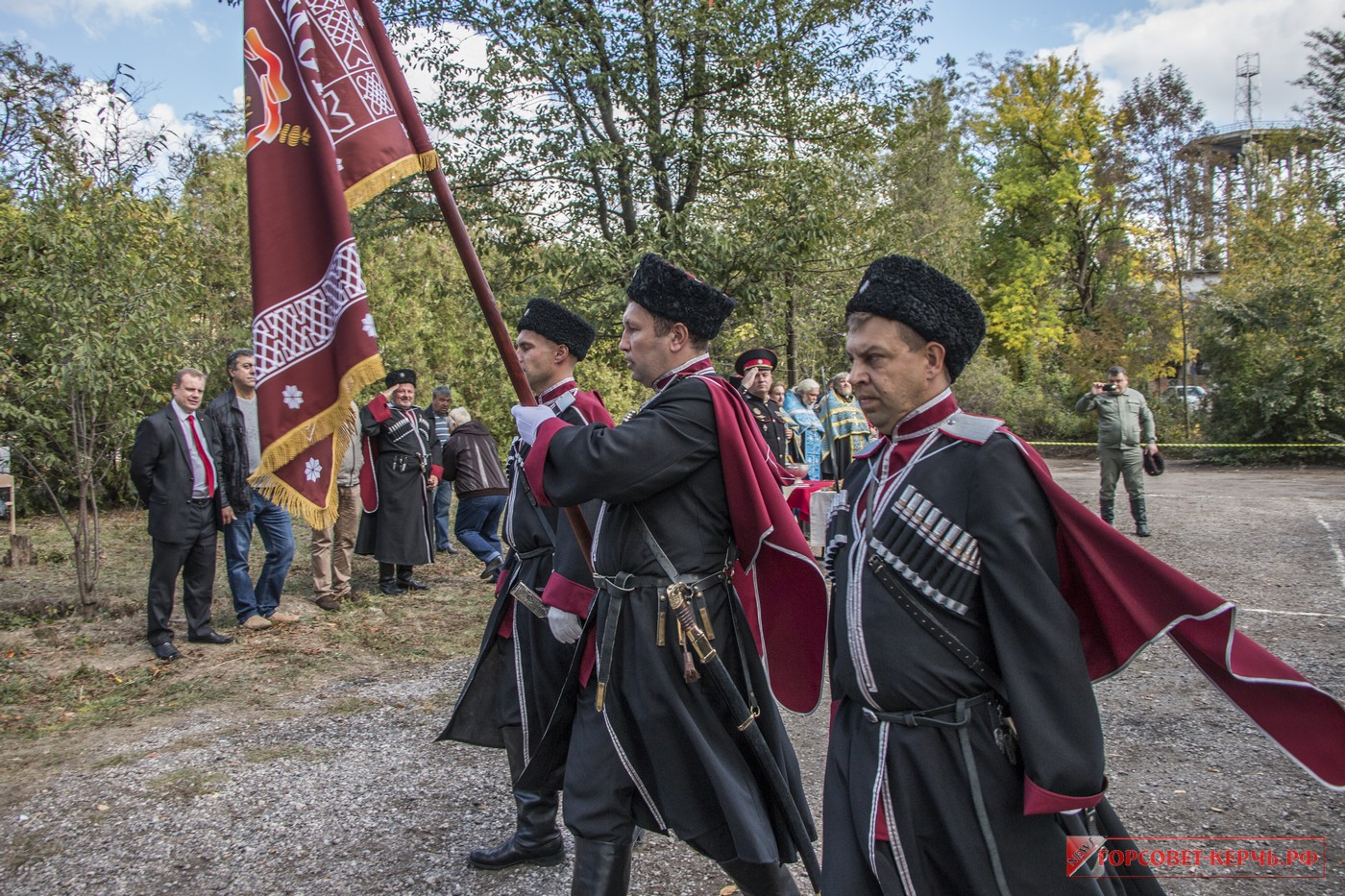 В Керчи казаки приняли присягу
