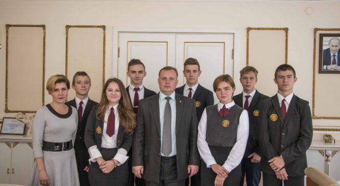 Глава муниципального образования встретился с гимназистами