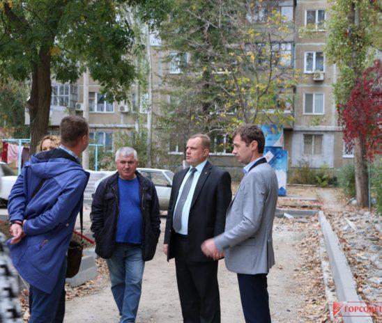 Николай Гусаков проинспектировал ход работ по программе «Городская среда»