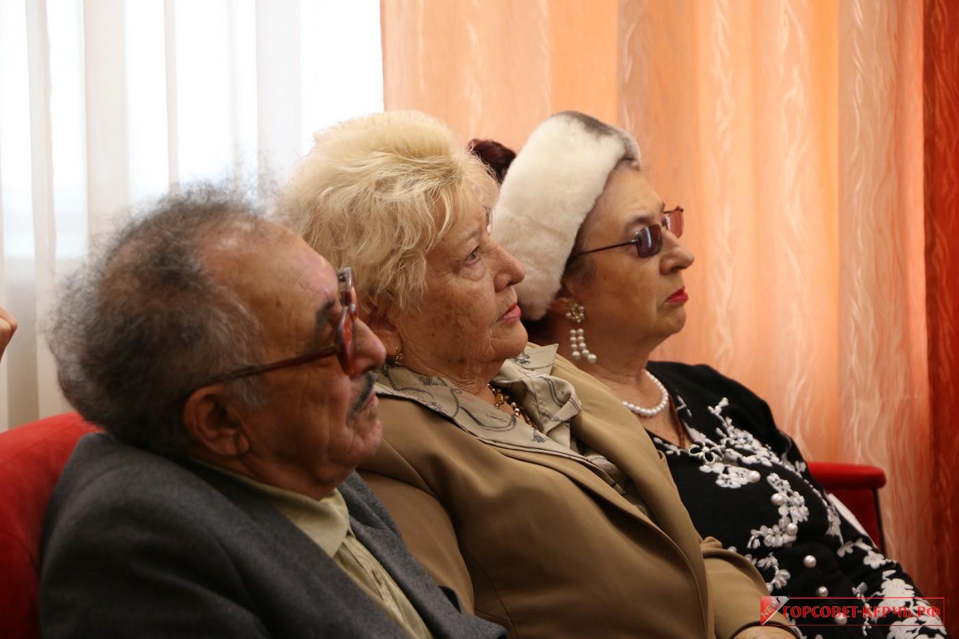 На заседании Межнационального совета города обсудили предстоящий День народного единства