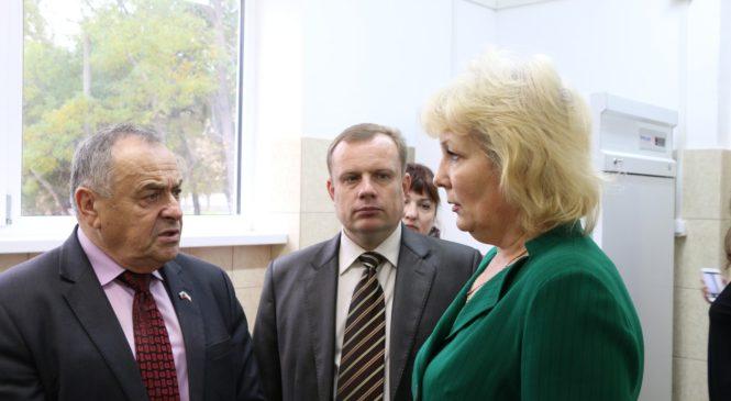 Вице-спикер парламента Крыма посетил обновленную школу №25