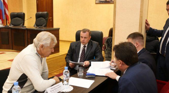 В Керчи проводит прием граждан заместитель председателя Совмина Крыма Игорь Михайличенко