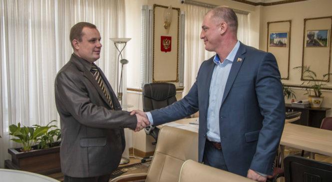 Николай Гусаков провел встречу с представителями холдинга безопасности