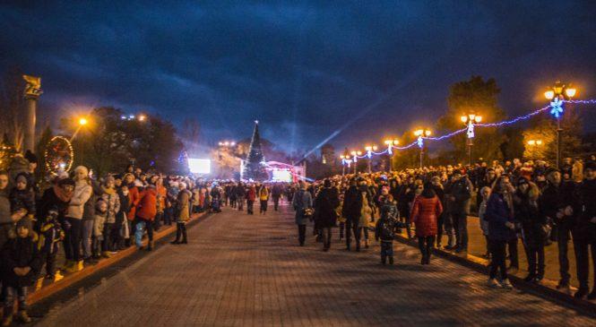 В Керчи прошел первый Парад Дедов Морозов