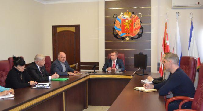 В городском совете прошло совещание по вопросу обеспечения доступности к избирательным участкам на голосовании