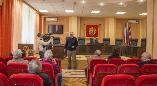 Николай Гусаков провел заседание Межнационального совета