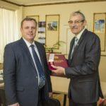 Глава муниципального образования поздравил ветерана МВД Почетной грамотой