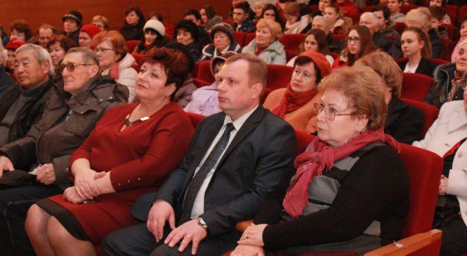 В Керчи презентовали книгу о войне Алексея Махова «Керчь, любовь моя!»