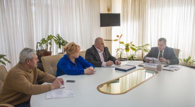 Глава муниципального образования провел встречу с членами Общественного совета города Керчи